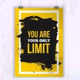 Cartel usted es su solamente límite Cita del negocio de la motivación para su diseño en mancha negra Fotos de archivo libres de regalías