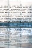 Cartelera de las destinaciones del vuelo imagenes de archivo
