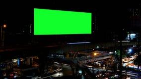 Cartelera de publicidad con la pantalla verde, lapso de tiempo metrajes