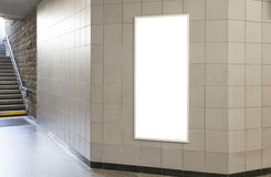Cartelera o cartel en blanco en pasillo Imagenes de archivo