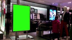 Cartelera verde para su anuncio