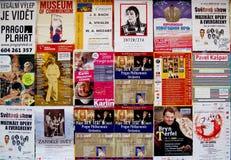 Carteles de los conciertos de la música en Praga Imágenes de archivo libres de regalías