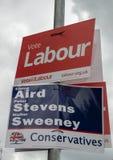 Carteles políticos para las elecciones del gobierno local foto de archivo libre de regalías
