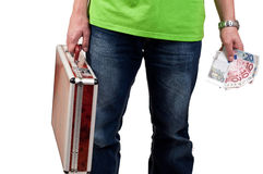 Uomo che tiene una cartella ed i soldi Fotografia Stock Libera da Diritti