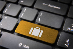 Cartella gialla di chiave di tastiera, fondo di affari Fotografia Stock