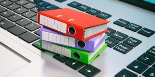 Cartelle dell'ufficio su un computer portatile illustrazione 3D Immagine Stock