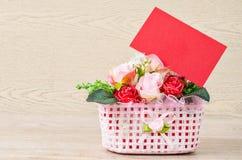 Cartellino rosso in bianco per il biglietto di S. Valentino Fotografia Stock