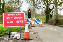 Cartello BRITANNICO di traffico dei coni di lavori stradali di servizi autostradali Immagine Stock Libera da Diritti