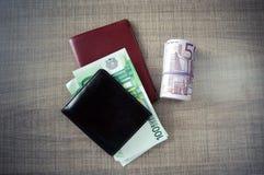 Cartera con el dinero fotografía de archivo libre de regalías