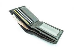 Cartera con la tarjeta del dinero y de banco imagenes de archivo