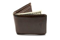 Cartera marrón de cuero vieja con cientos dólares de billete de banco aislado en el fondo blanco Fotos de archivo