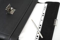 Cartera, pluma, papel, fichero Foto de archivo libre de regalías