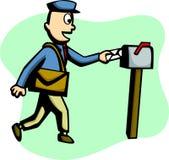 Cartero que entrega un correo Imagen de archivo libre de regalías