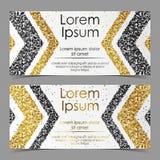 Cartes avec des flèches d'or et confettis, étincelles, scintillement et espace noirs pour le texte sur le fond blanc Photo libre de droits