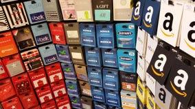 Cartes cadeaux : Amazone, vieille marine, Macys, Kmart et plus Photos libres de droits