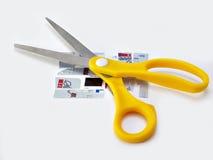 Cartes de crédit de découpage photographie stock
