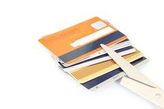 Cartes de crédit et ciseaux Image libre de droits