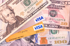 Cartes de crédit et de débit de visa et d'électron de visa images libres de droits