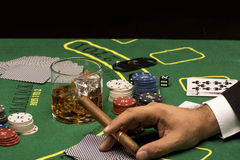 Cartes de jeu sur la table de casino Image libre de droits