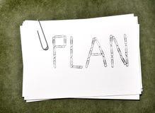 Cartes de livre blanc avec le plan de trombone Images libres de droits