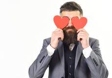 Cartes de Valentine Le hippie avec la longue barbe tient les coeurs rouges, cartes de valentine Photographie stock libre de droits