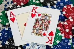 Cartes de vingt-et-un et puces de casino Photographie stock libre de droits