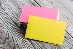 Cartes de visite professionnelle de visite colorées Photographie stock