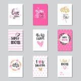 Cartes de voeux pour des vacances heureuses de fête des mères décorées de la belle calligraphie tirée par la main Photos stock