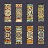 Cartes en liasse de bannière avec le fond décoratif coloré floral d'éléments de mandala Photo libre de droits