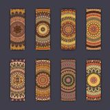 Cartes en liasse de bannière avec le fond décoratif coloré floral d'éléments de mandala Images stock