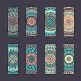 Cartes en liasse de bannière avec le fond décoratif coloré floral d'éléments de mandala Photos libres de droits