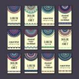 Cartes en liasse de bannières de vintage Mandala ornemental, éléments décoratifs de cercle ethnique Photographie stock