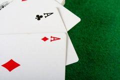 Cartes et paquet de jouer des cartes. Photo libre de droits