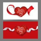 Cartes heureuses du jour de mère avec les rubans en soie et le coeur texturisé brillant Image stock