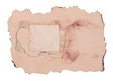 Cartes postales âgées de papier et de cru sur le blanc Image libre de droits