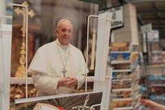 Cartes postales de pape Francis à vendre photos stock