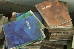Cartillas de la descomposición en las drogas y el alcohol Fotografía de archivo