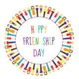 Cartão com um dia feliz da amizade Povos do cartão que guardam as mãos, círculo Ilustração do vetor Imagens de Stock