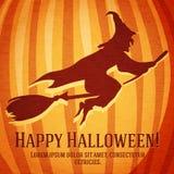 Cartão feliz do Dia das Bruxas com a bruxa cinzelada dentro Fotos de Stock