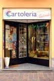 Cartoleria, loja dos artigos de papelaria em Italy foto de stock