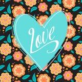 Cartolina con il cuore del turchese su floreale scuro Immagine Stock