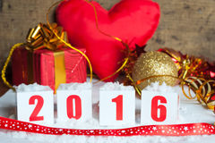 Cartolina d'auguri con i regali del nuovo anno Fotografia Stock Libera da Diritti