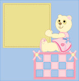 Cartolina d'auguri con l'immagine di un orsacchiotto Fotografia Stock Libera da Diritti