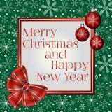 Cartolina d'auguri d'avanguardia del nuovo anno e di Natale decorata con l'arco rosso, le palle di Natale ed i vari fiocchi di ne Immagini Stock