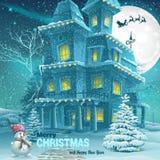 Cartolina d'auguri del nuovo anno e di Natale con l'immagine di una notte nevosa con un pupazzo di neve e gli alberi di Natale Immagini Stock