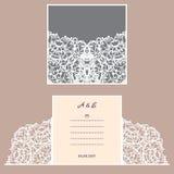 Cartolina d'auguri dell'invito o di nozze con l'ornamento astratto Modello della busta di vettore per il taglio del laser Carta d Immagini Stock Libere da Diritti