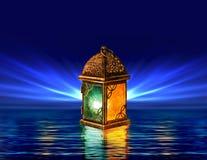 Cartolina d'auguri della lanterna del Ramadan con fondo blu Immagini Stock Libere da Diritti