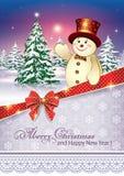 Cartolina d'auguridi con un albero di Natale e un pupazzo di neve Immagini Stock Libere da Diritti