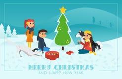 Cartolina d'auguri di Natale: Bambini con i cani che decorano l'albero di Chrismas nel paesaggio di Snowy fotografia stock libera da diritti