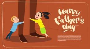 Cartolina d'auguri felice delle gambe del papà di abbraccio del padre Day Family Holiday, del derivato e del figlio Immagine Stock Libera da Diritti
